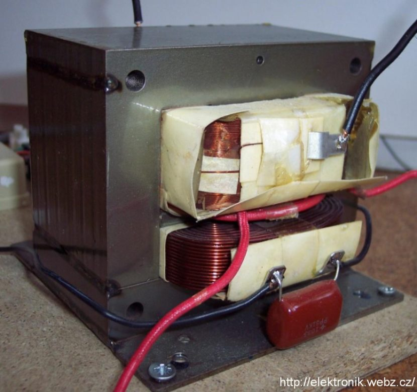 Training Trafo High Voltage